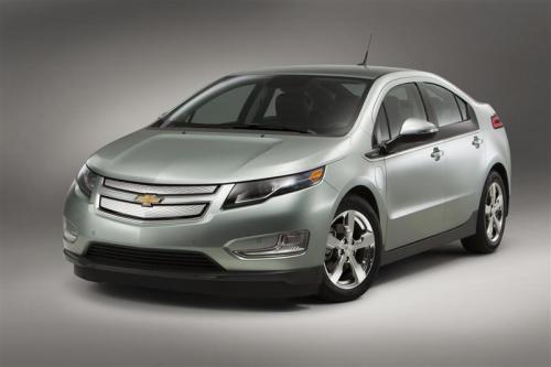 2013-Chevrolet-Volt-Image-08-800