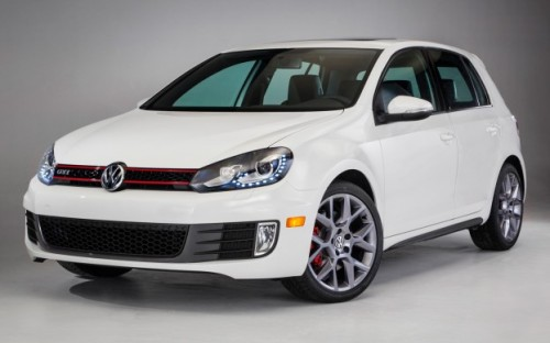 2013-Volkswagen-GTI-Drivers-Edition-front-side-view-623x389