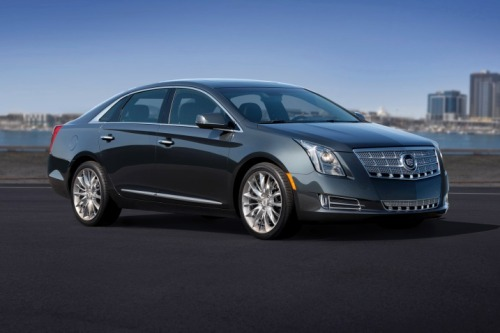 2013-cadillac-xts-side-view-pictures