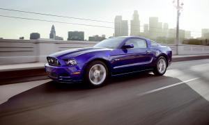 Lindsay_2013_ford_mustang